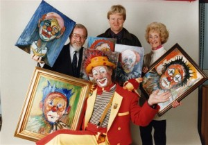 molly-and-clive-isherwood-with-geoff-shryhane-left-and-a-clown3